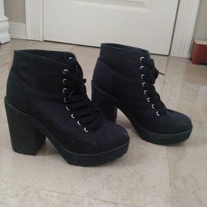 H&M Canvas Lace up heeled boots